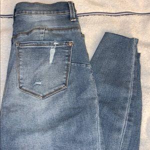 No Boundaries High Rise Sculpting Skinny Jean
